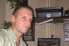 Алексей Горячев в домашней студии, 2011г.